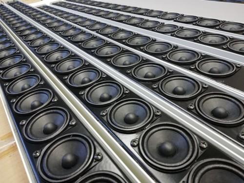 """Nelle colonne sonore realizzate da BL Acoustics vengono impiegati altoprlanti da 2"""" di alta qualità"""
